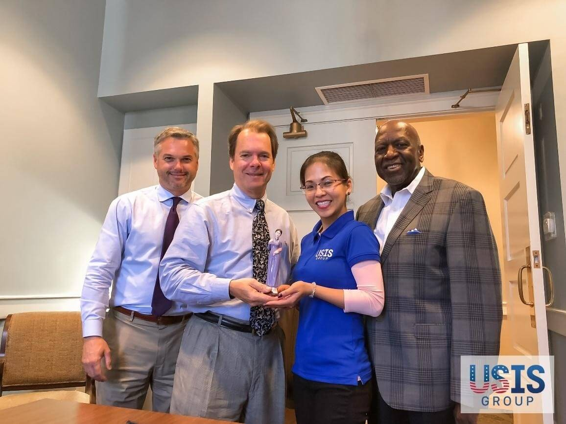 USIS Group visits Gulfport Mayor