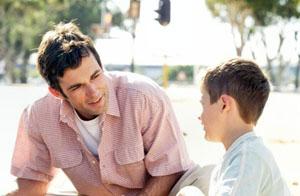 Làm gương, tôn trọng và kiên trì giải thích cho trẻ